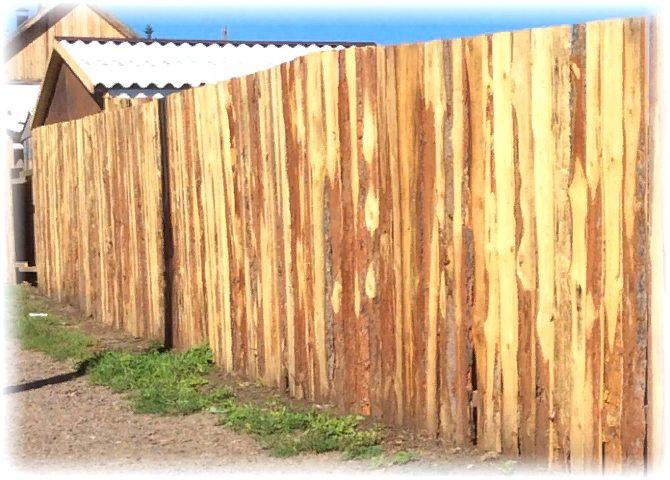 как построить забор из дерева